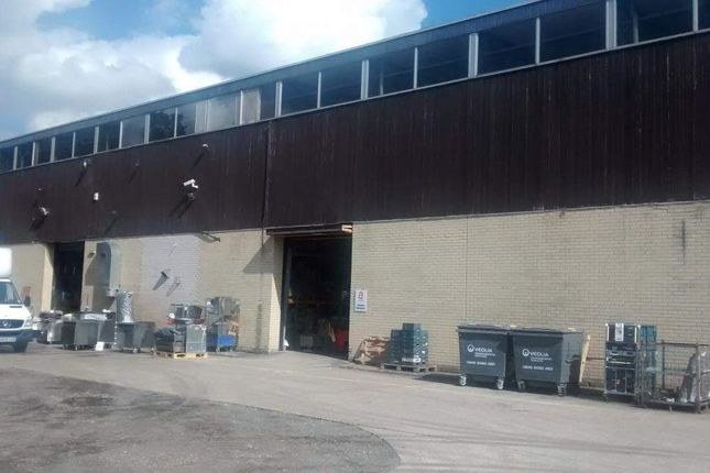 Thumbnail Warehouse to let in Passfield Business Centre, Passfield, Liphook, Hampshire