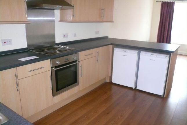 Thumbnail Flat to rent in Wollaton Road, Beeston
