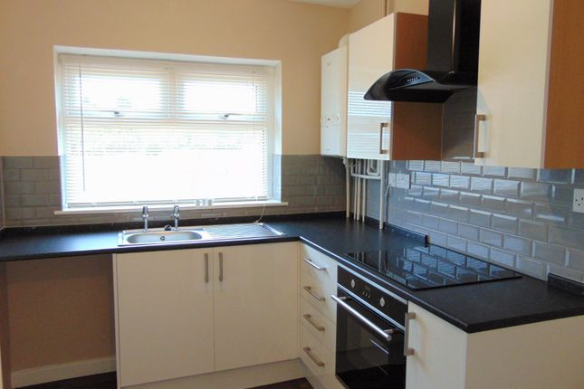 Thumbnail Flat to rent in Dawpool Drive, Bromborough, Wirral