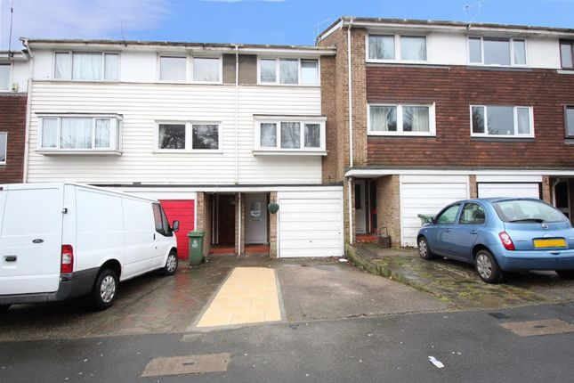Front of Silver Spring Close, Erith DA8