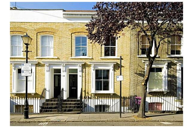 Thumbnail Shared accommodation to rent in Ellesmere Road, Bow