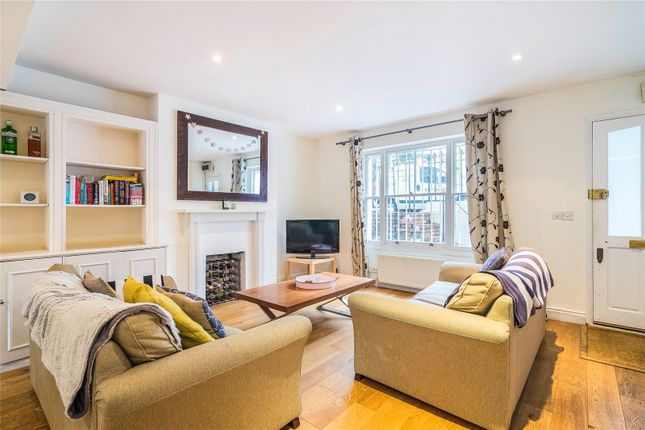 Thumbnail 3 bed flat to rent in Auckland Road, Battersea, London