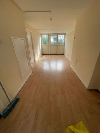 Thumbnail Flat to rent in Cranford Lane, Heston, Hounslow