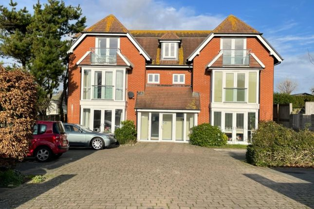 2 bed flat to rent in Bowleaze Coveway, Weymouth DT3