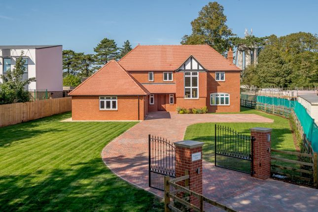 Thumbnail Detached house for sale in Hartwell Road, Roade, Northampton