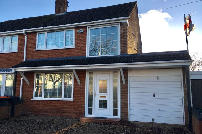 Thumbnail Semi-detached house to rent in Poynters Road, Dunstable