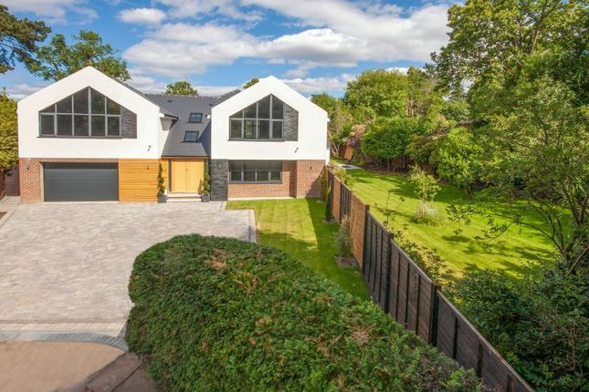 Thumbnail Detached house for sale in Mulberry Close, Horsell, Woking