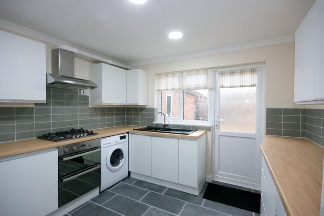 Thumbnail Semi-detached house to rent in Brasenose Road, Didcot