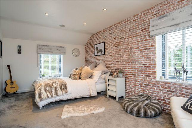 Picture No. 30 of Holly Farm, Warmfield Lane, Warmfield, Wakefield WF1