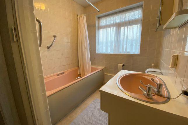 Bathroom of Lakeland Close, Harrow, Middx HA3