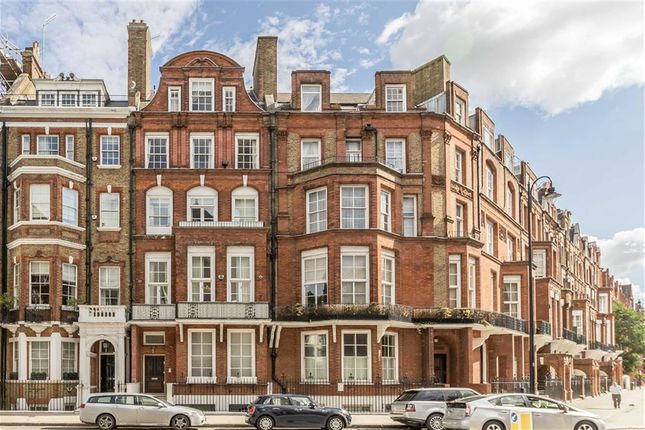 Thumbnail Property to rent in Pont Street, London