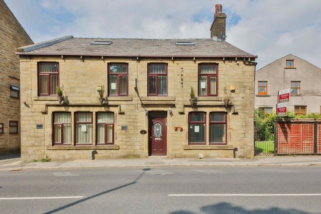 Thumbnail Detached house to rent in Bacup Road, Waterfoot, Rossendale
