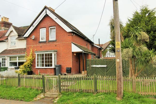 Thumbnail Terraced house for sale in Broadway, Totland Bay