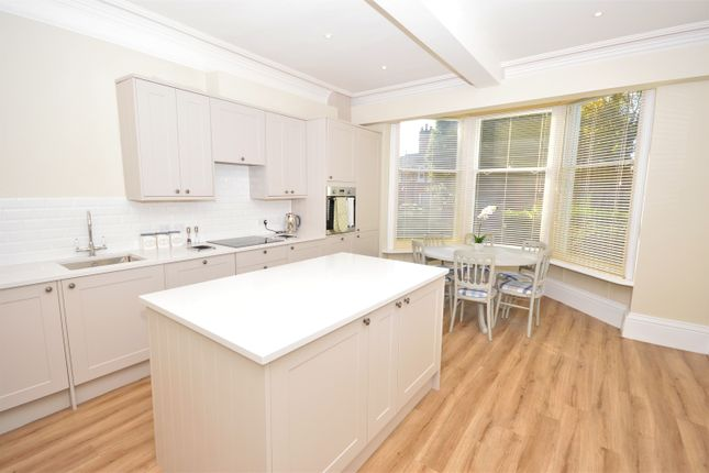 Thumbnail Flat to rent in West Parade, Lincoln, Lincoln