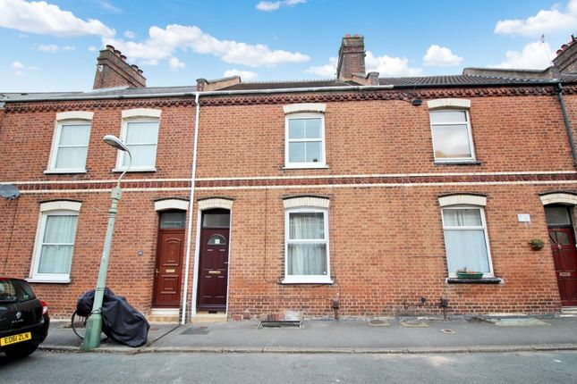 4 bed terraced house to rent in Portland Street, Newtown, Exeter EX1