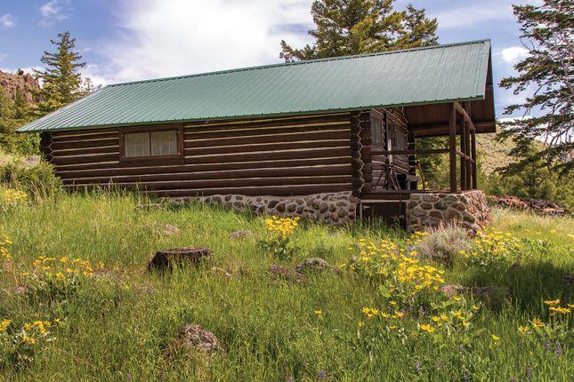 Log Cabin of Cody, Wyoming, Usa