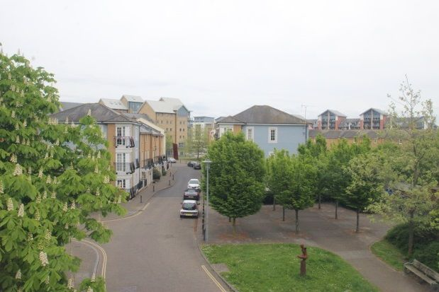 Thumbnail Flat to rent in Gateway Terrace, Portishead, Bristol