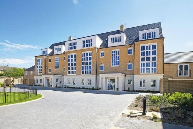 Thumbnail Flat for sale in St. Georges Court, Willerby, Hull
