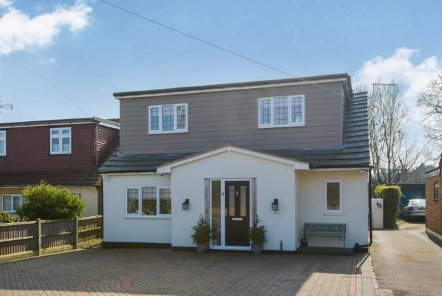 Thumbnail Bungalow for sale in Leasway, Wickford