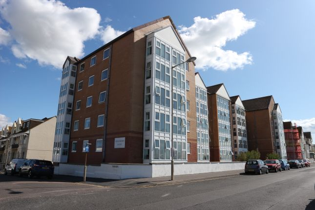Thumbnail Flat to rent in Stratheden Court, Seaford