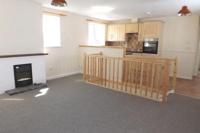 Thumbnail Flat to rent in Par Green, Par