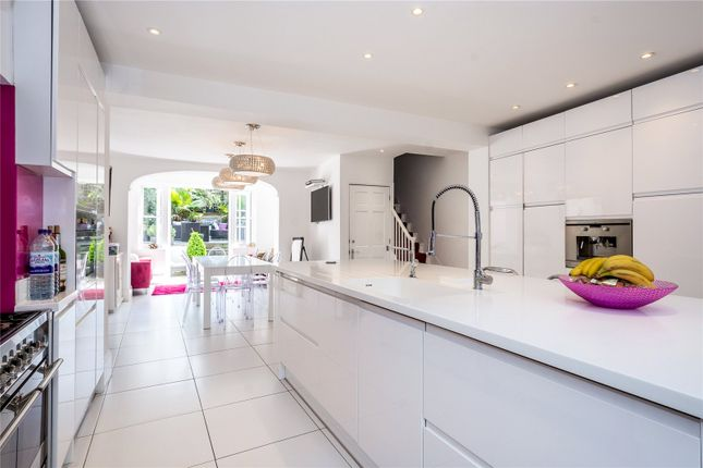 Thumbnail Terraced house for sale in Thornhill Square, London