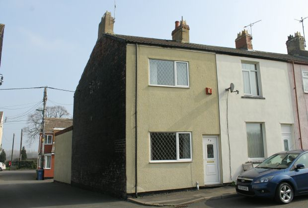 Thumbnail Terraced house for sale in Charltons, Saltburn-By-The-Sea