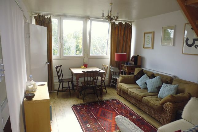 Thumbnail Flat to rent in Grant Road, Clapham Junction, London