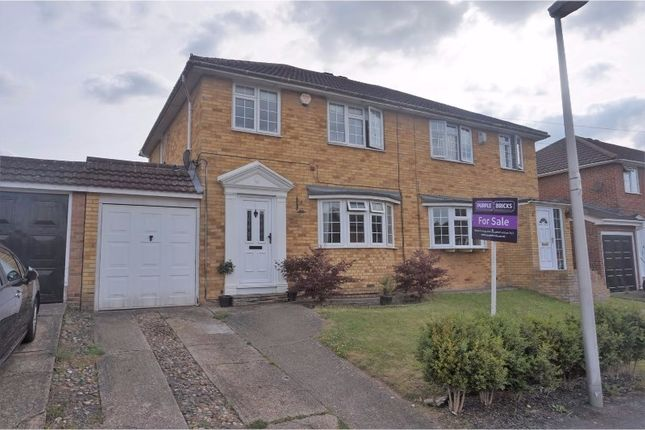 4 bed semi-detached house for sale in The Hazels, Wigmore, Gillingham