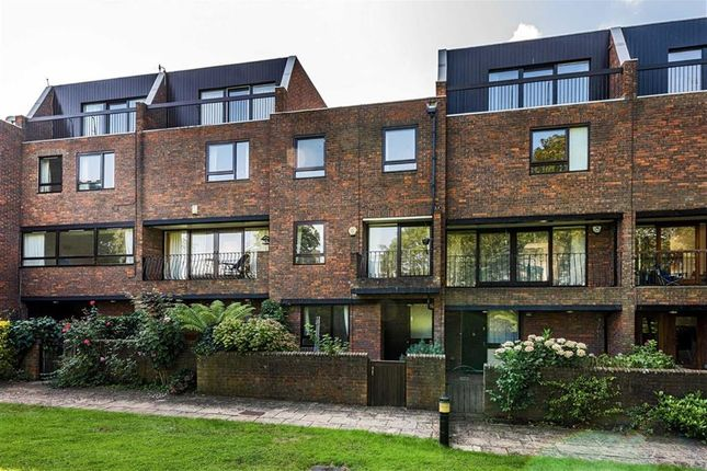 Thumbnail Property to rent in Kreisel Walk, Kew, Richmond