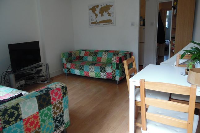 Thumbnail Flat to rent in Wandsworth High Street, Wandsworth