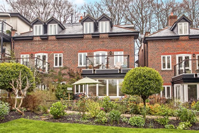 3 bed terraced house for sale in Kings Crescent, Winchester, Hampshire