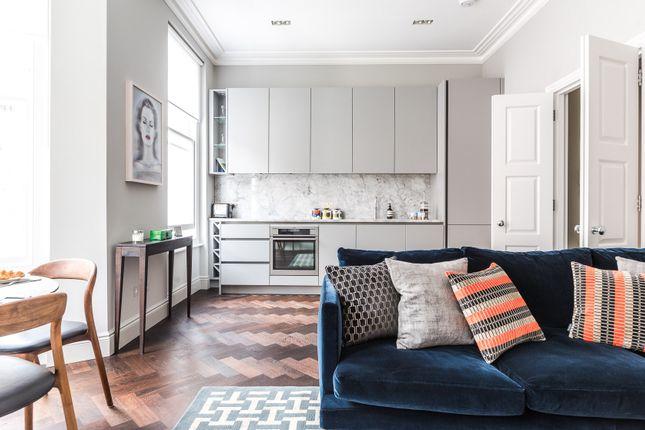 Flat to rent in Sheffield Terrace, London