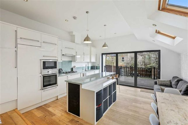 4 bed property for sale in Homecroft Road, London