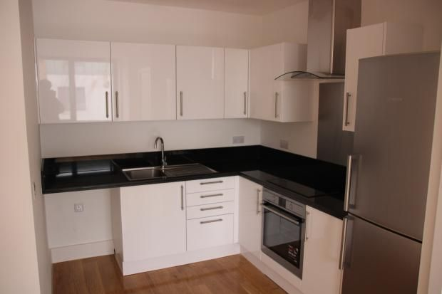1 bed flat to rent in York House, Victoria Road, Farnborough, Hampshire