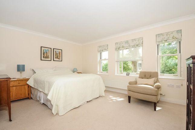 Master Bedroom of Sunningdale, Berkshire SL5