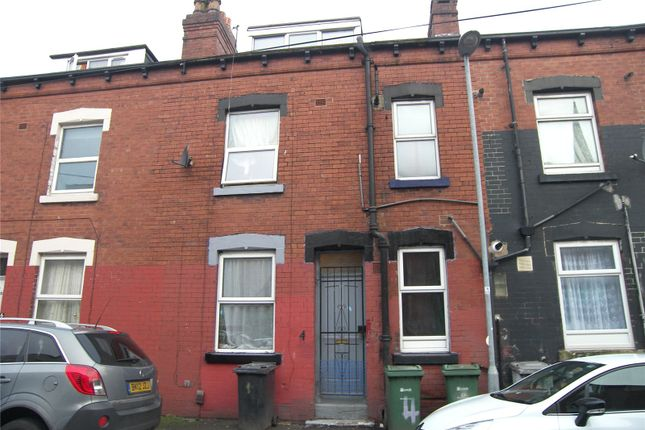 Picture No. 01 of Crosby Place, Leeds, West Yorkshire LS11