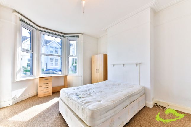 Thumbnail Shared accommodation to rent in Whippingham Road, Brighton