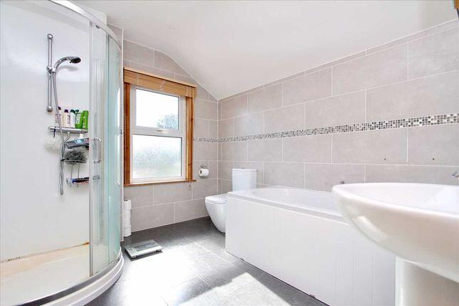 Bathroom of Faraday Road, Ipswich IP4