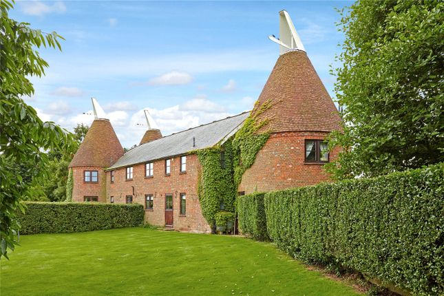 Thumbnail Barn conversion for sale in Green Farm, Maidstone Road, Nettlestead, Kent