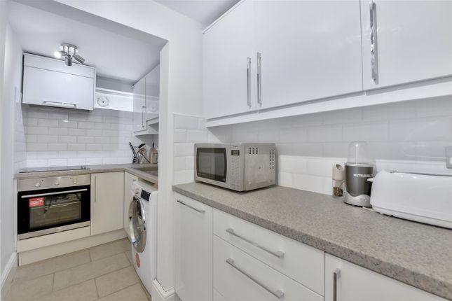 Kitchen of Hornsey Lane, Highgate N6