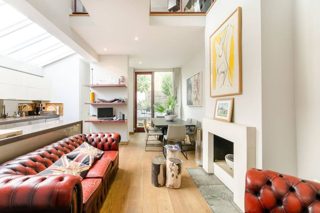 Thumbnail Property to rent in Fernhurst Road, Fulham
