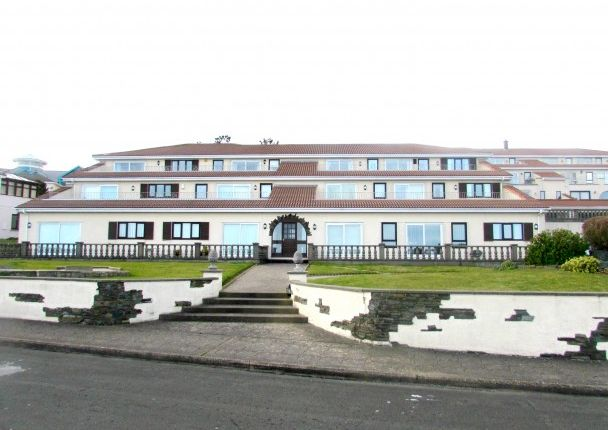 Thumbnail Flat to rent in Apt. 14 King Edward Bay Apartments, Sea Cliff Road, Onchan