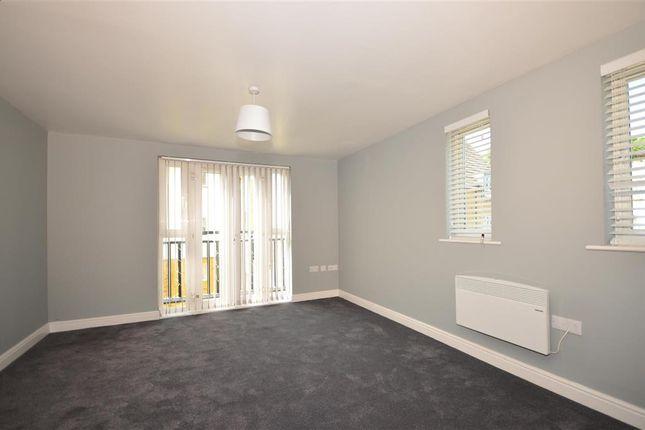 Flat for sale in Waterside, Gravesend, Kent