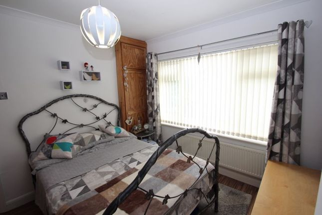 Bedroom of Crooks Lane, Studley B80