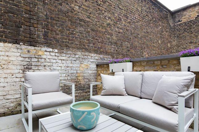 Flat in   Hornton Pl  London Fulham