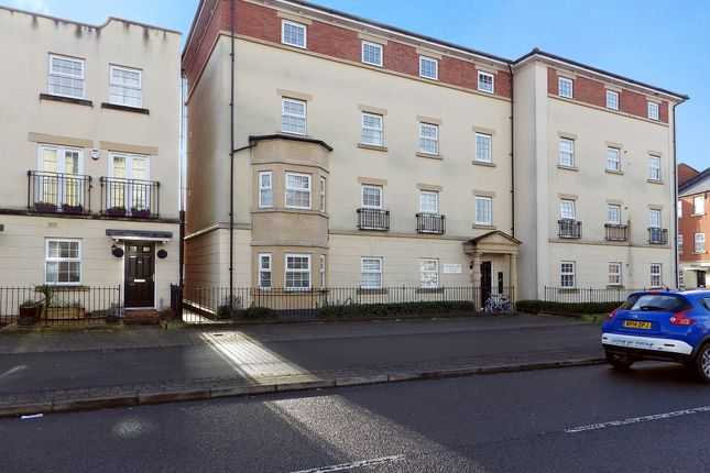 Thumbnail Flat to rent in Redhouse Way, Swindon, Wiltshire
