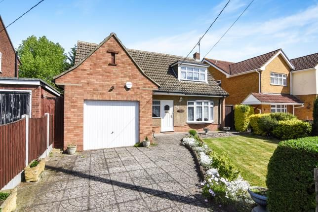Thumbnail Bungalow for sale in Laindon, Basildon, Essex