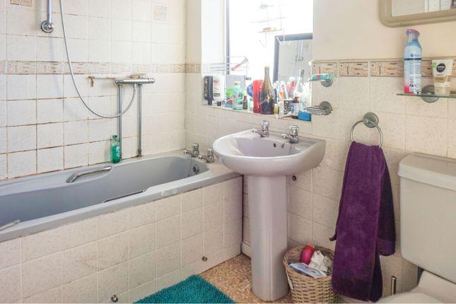Bathroom of Rowlestone Rise, Greengates, Bradford BD10