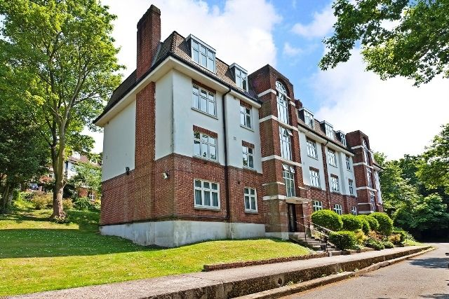 Thumbnail Flat to rent in Highlands Court, Highland Road, London